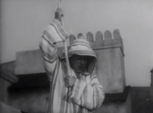 Abbott and Costello Meet the Mummy - Bud unwillingly does the Indian rope trick