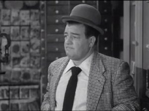 Lou Costello in From Bed to Worse