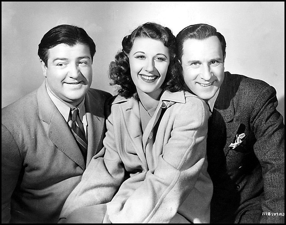 """Lou Costello, Joan Davis, and Bud Abbott in """"Hold That Ghost"""""""